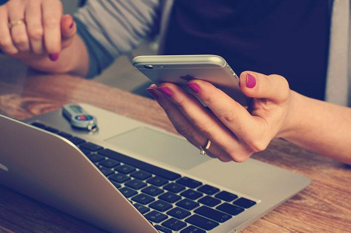 SMS czy Push – co wybrać